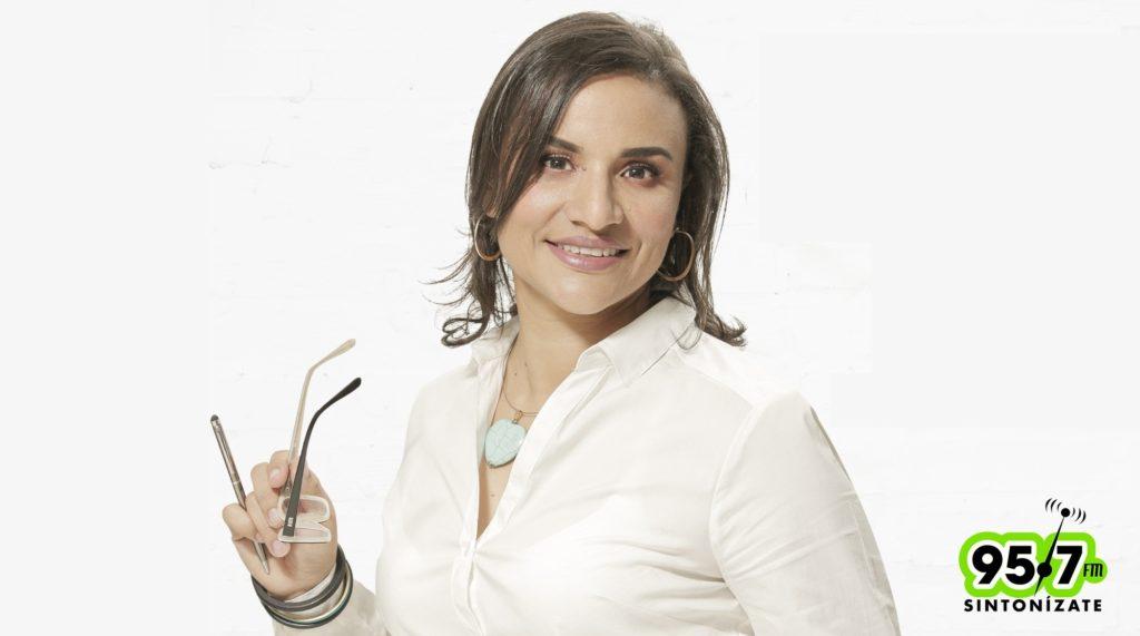 María Alejandra Alzola Sintonízate 95.7 FM